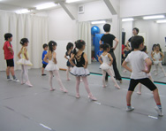 リールバレエスタジオ =バレエ教室①=
